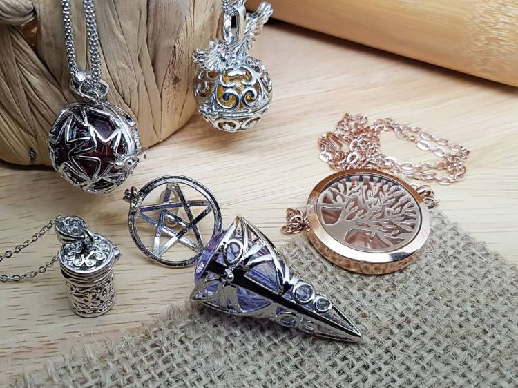 essential oil diffuser necklace pendant